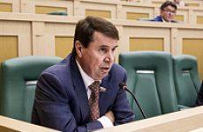 Сенатор Сергей Цеков вновь поднял вопрос о содержании региональных учебников истории